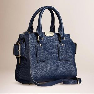 Burberry Large Clifton Bag in Signature Grain Leather